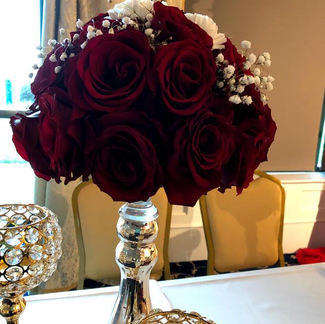 Table floral arrangement