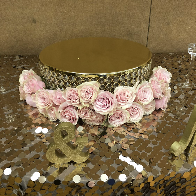 Cake and table decor