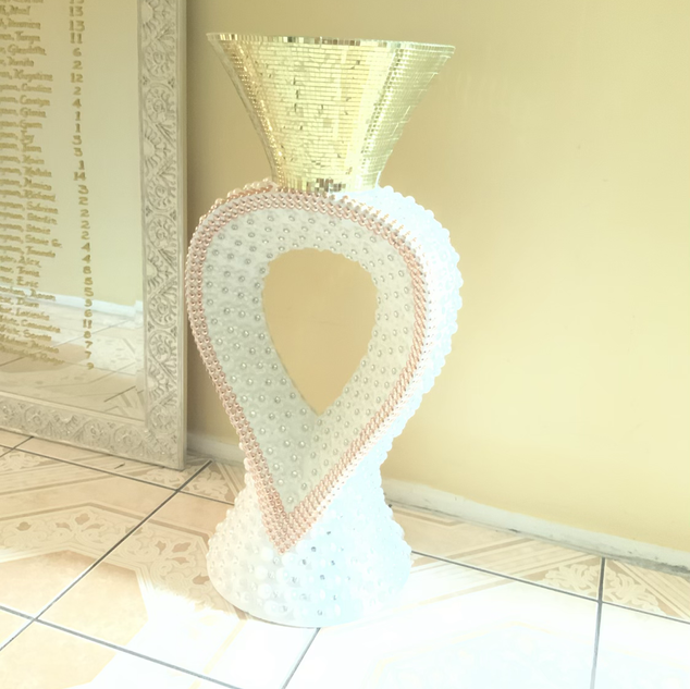 Ring column use as cake table or for floral arrangements