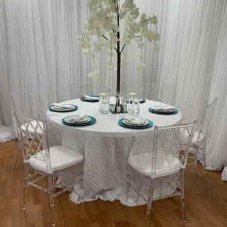 Crinkle round tablecloth