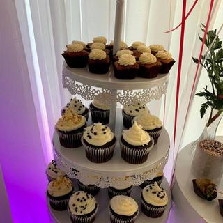 White three tier cupcake stand