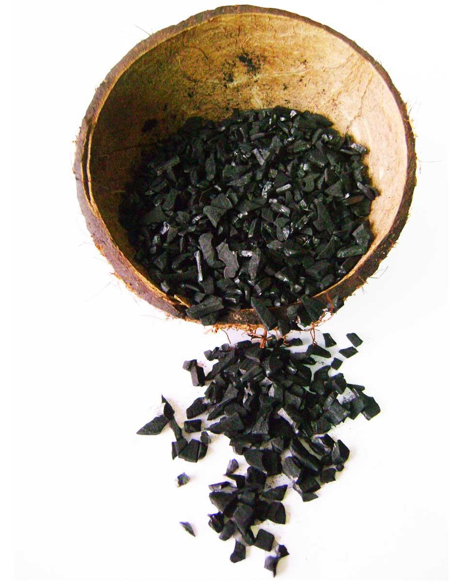 Carbón activado a base de cáscara de coco