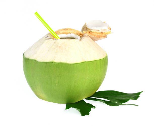 El agua de Coco, es el líquido extraído de un Coco Joven