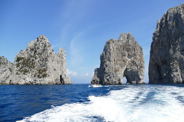 Capri-Italy-Faraglioni-Rocks