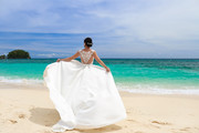 How To Fly With Your Wedding Dress