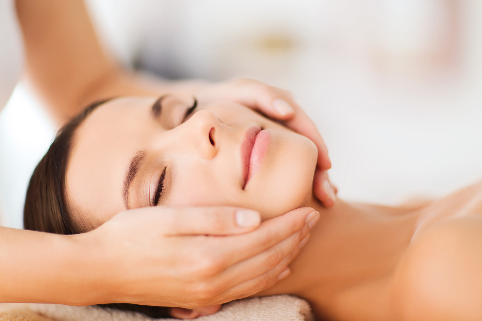 spa, resort, beauty and health concept -