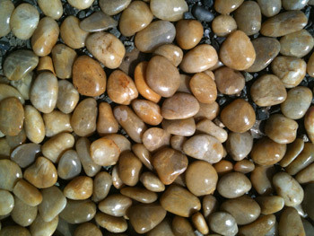 beach pebbles used in landscaping