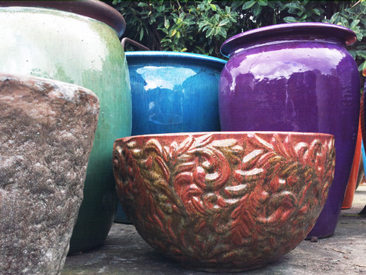 17 Photos of Beautifully Hypnotizing Garden Pottery