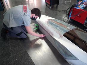 El equip Inèrcia Alcoi del IES Cotes Baixes prepara un nou cotxe per al Hiperbaric Challenge