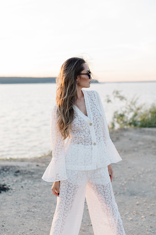 Элегантный белый кружевной костюм Моник