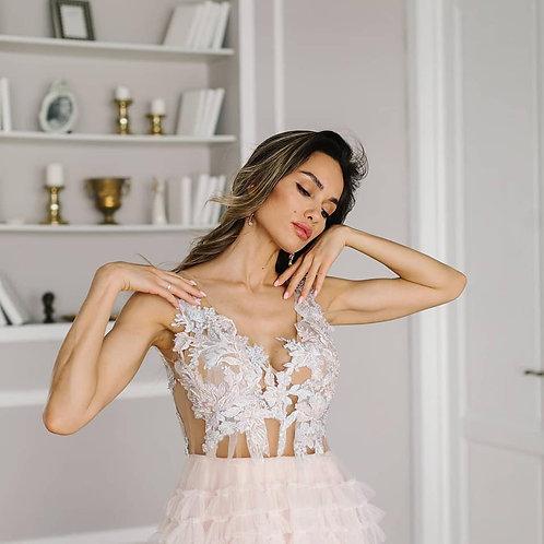 Вечернее платье в стиле кутюрАделаида