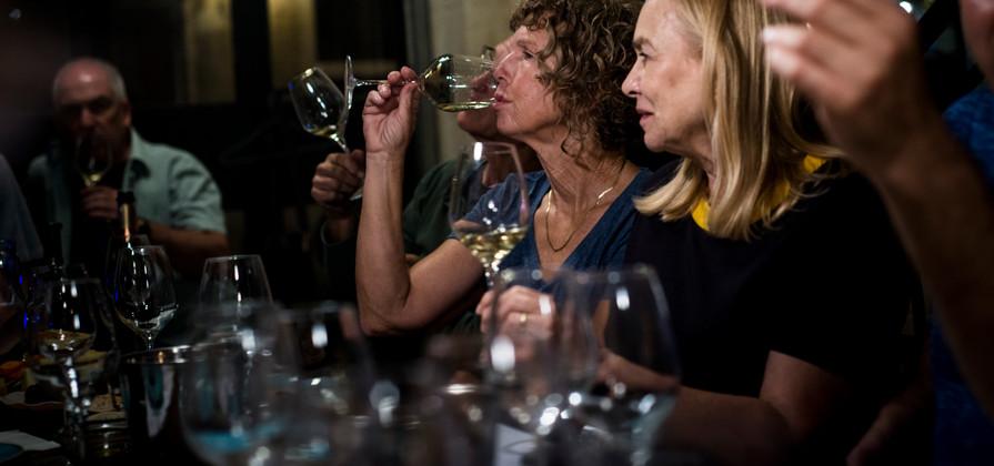 wine tasting with Roni Saslove