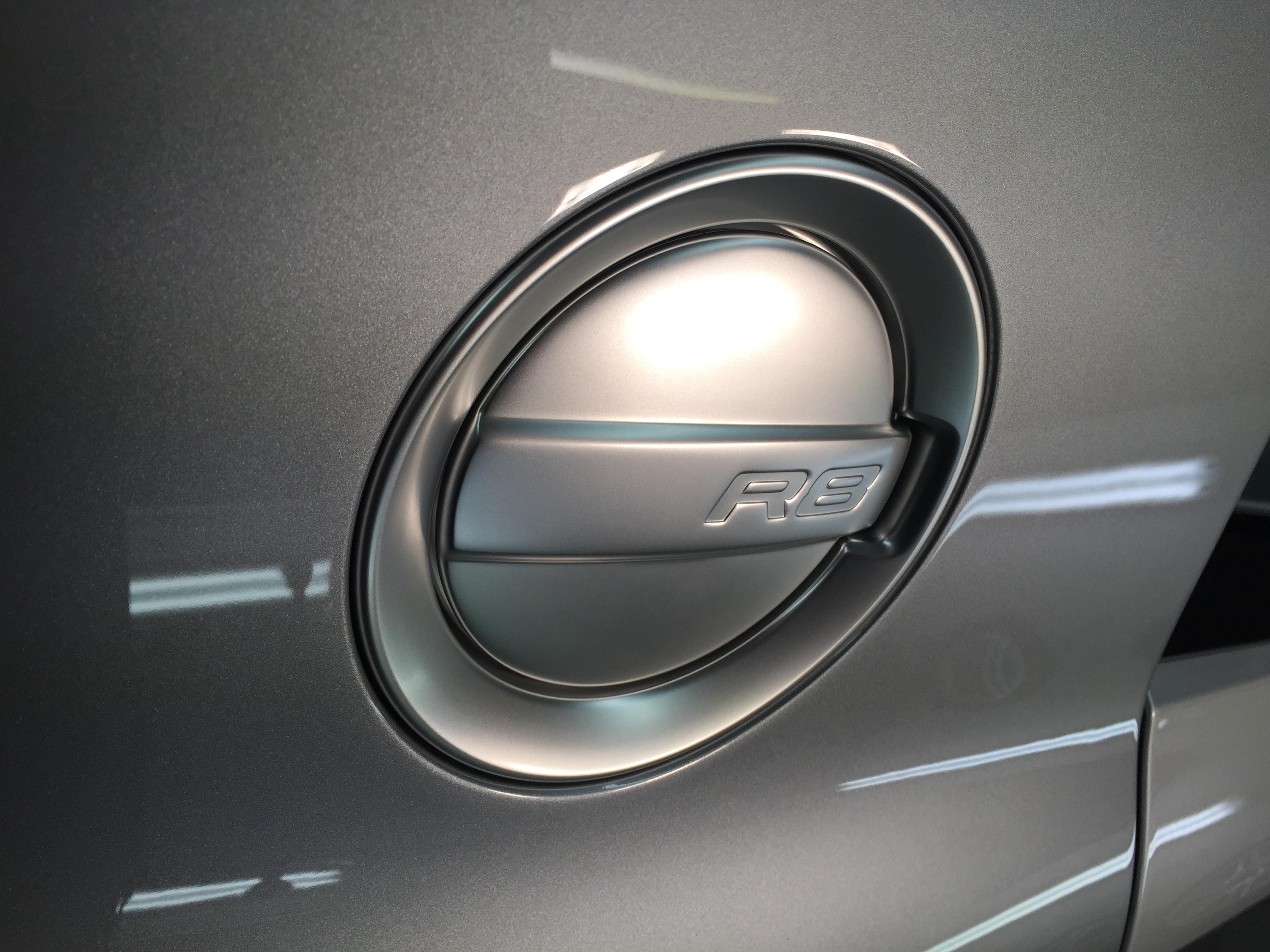 R8 Fuel Cap