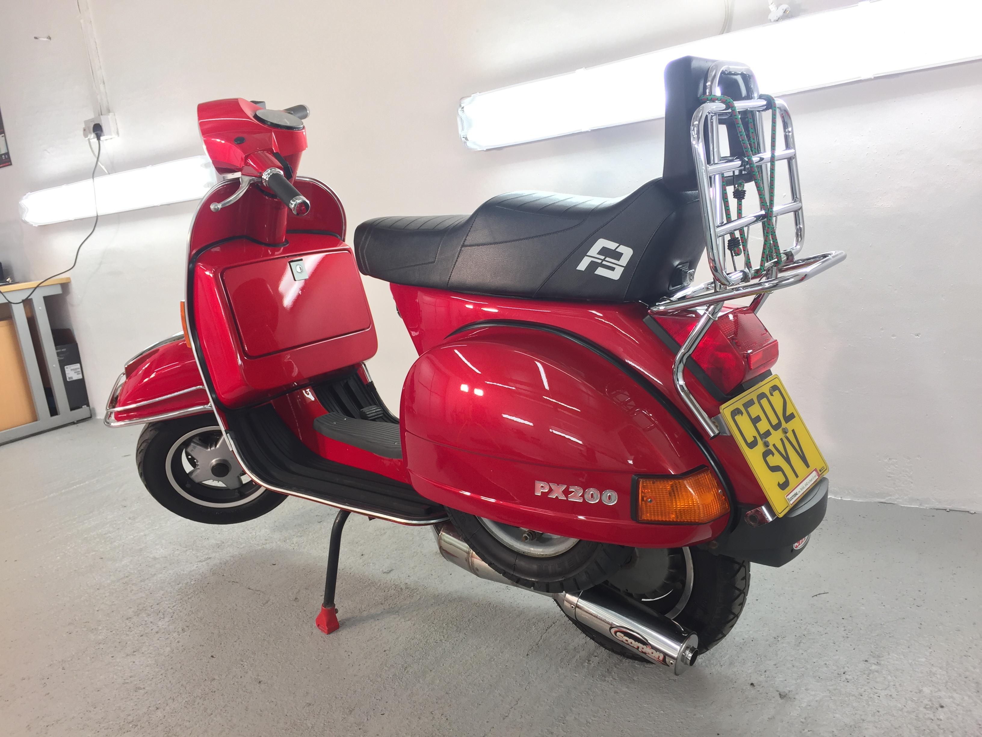 Vespa PX200
