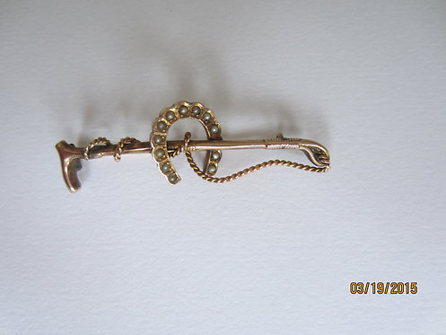 Vintage gold horse shoe stockpin
