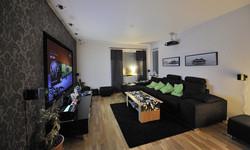 Modern-Living-Room-TV-Wall-Units-19-in-Black-Color.jpg