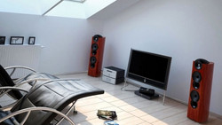 Modern-Living-Room-TV-Wall-Units-12-880x497.jpg
