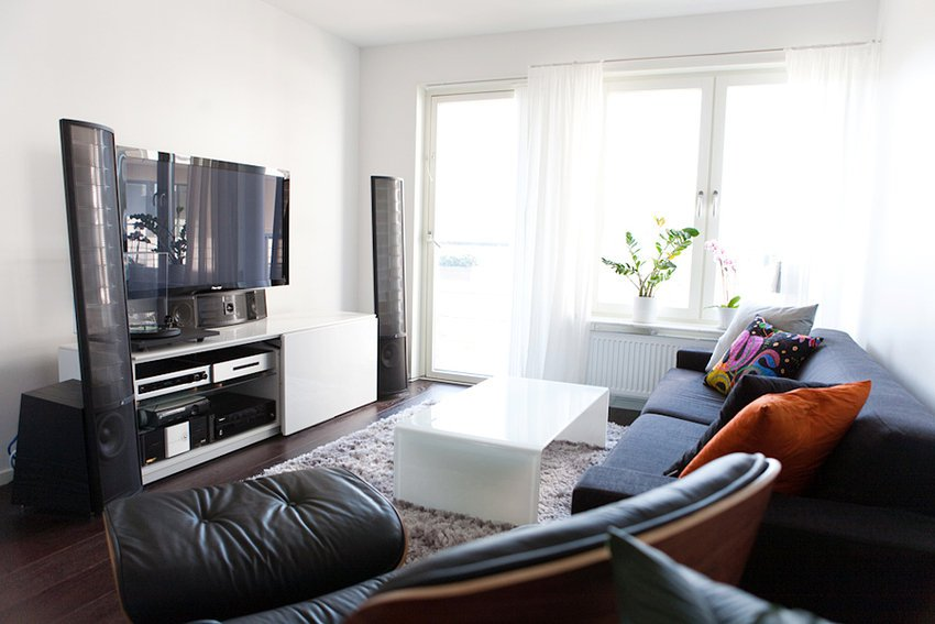 Modern-Living-Room-TV-Wall-Units-39-in-White-Color.jpg