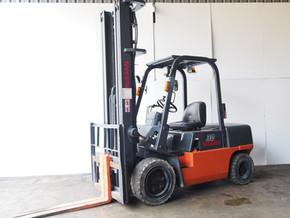 3.0ton NISSAN Forklift