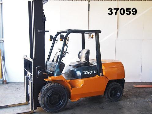 TOYOTA I 02-7FD45