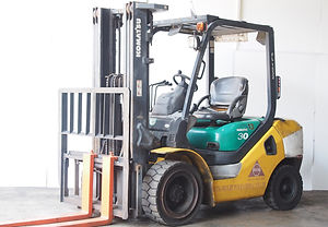 used second hand 3 ton komatsu forklift , FD30-16