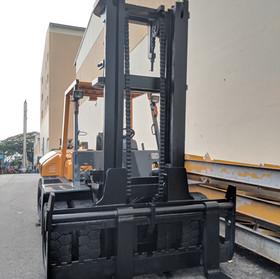 TCM Forklift FD100Z8 Mast