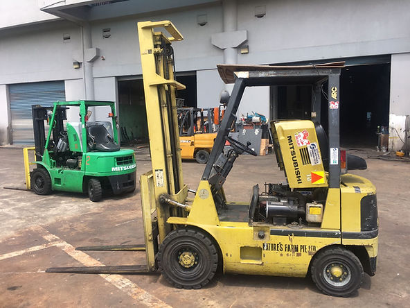 2.5 ton and 3 ton mitsubishi forklift servicing in singapore