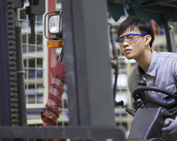 fork lift driver driving forklift for hire and rent in singapore
