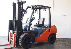toyota fork lift 8fd30 for sales