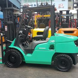 Mitsubishi 3 ton Forklift - FD30NT