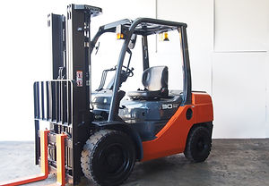 used toyota forklift 8fd30 for sales in singapore