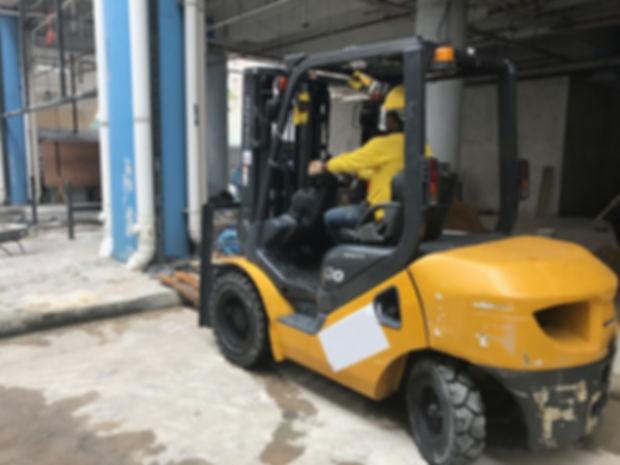 komatsu 3 ton fork lift oil leaking repair services