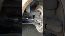 Shaky axle