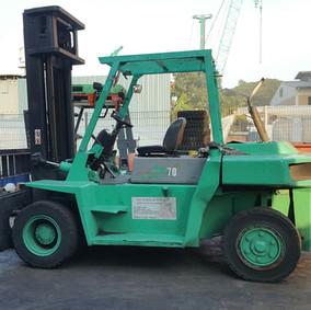 Used Mitsubishi FD70 diesel forklift