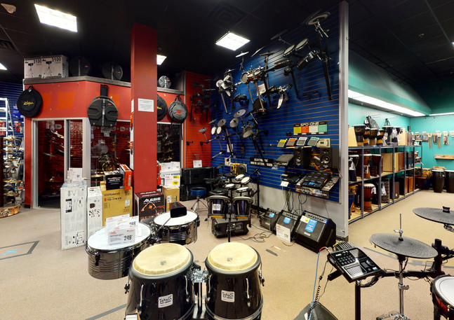 Guitar-Center-763-Garage(3).jpg