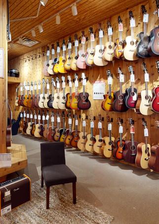 Guitar-Center-763-Lobby(1).jpg