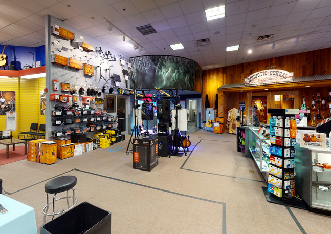 Guitar-Center-763-Garage(1).jpg