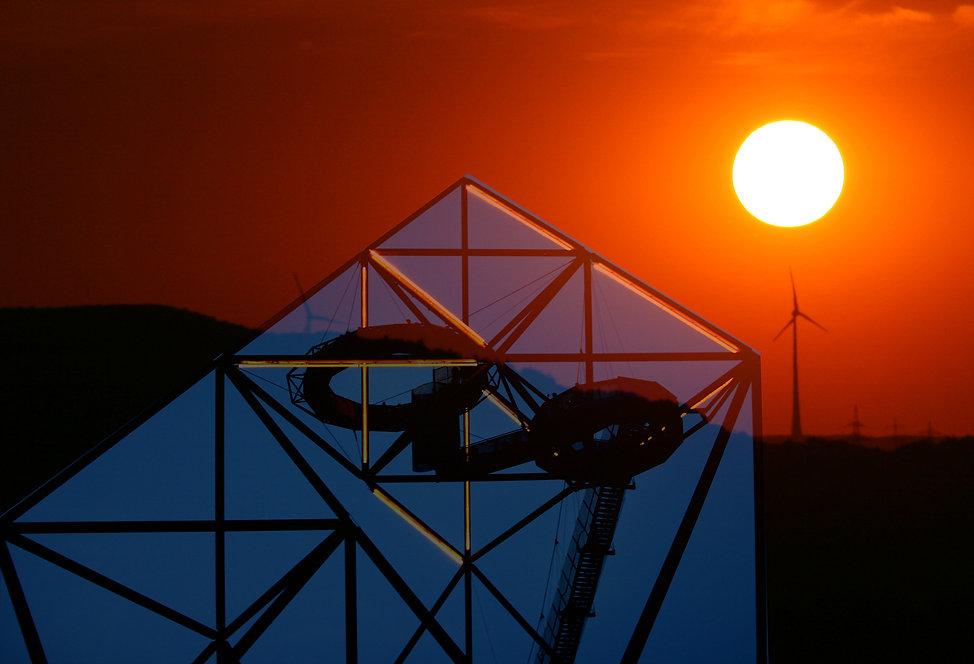 Sonne am Tetraeder1 Kopie.jpg