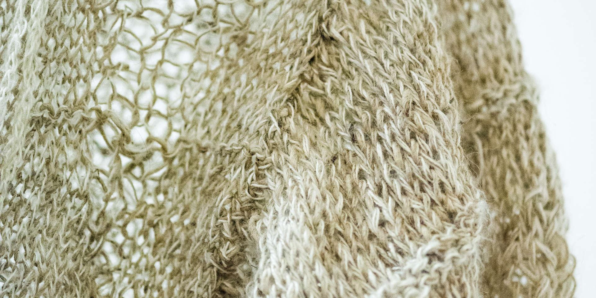 Wild Swans, Abridged (detail6); nettle silk, ramie; 240x159x166cm; photo A Thompson; Fiona Percy 2018