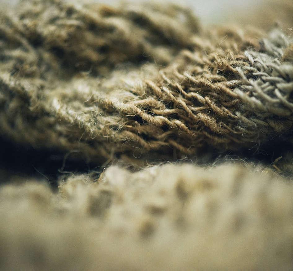 Wild Swans, Abridged (detail1); nettle silk, ramie; 240x159x166cm; photo A Thompson; Fiona Percy 2018