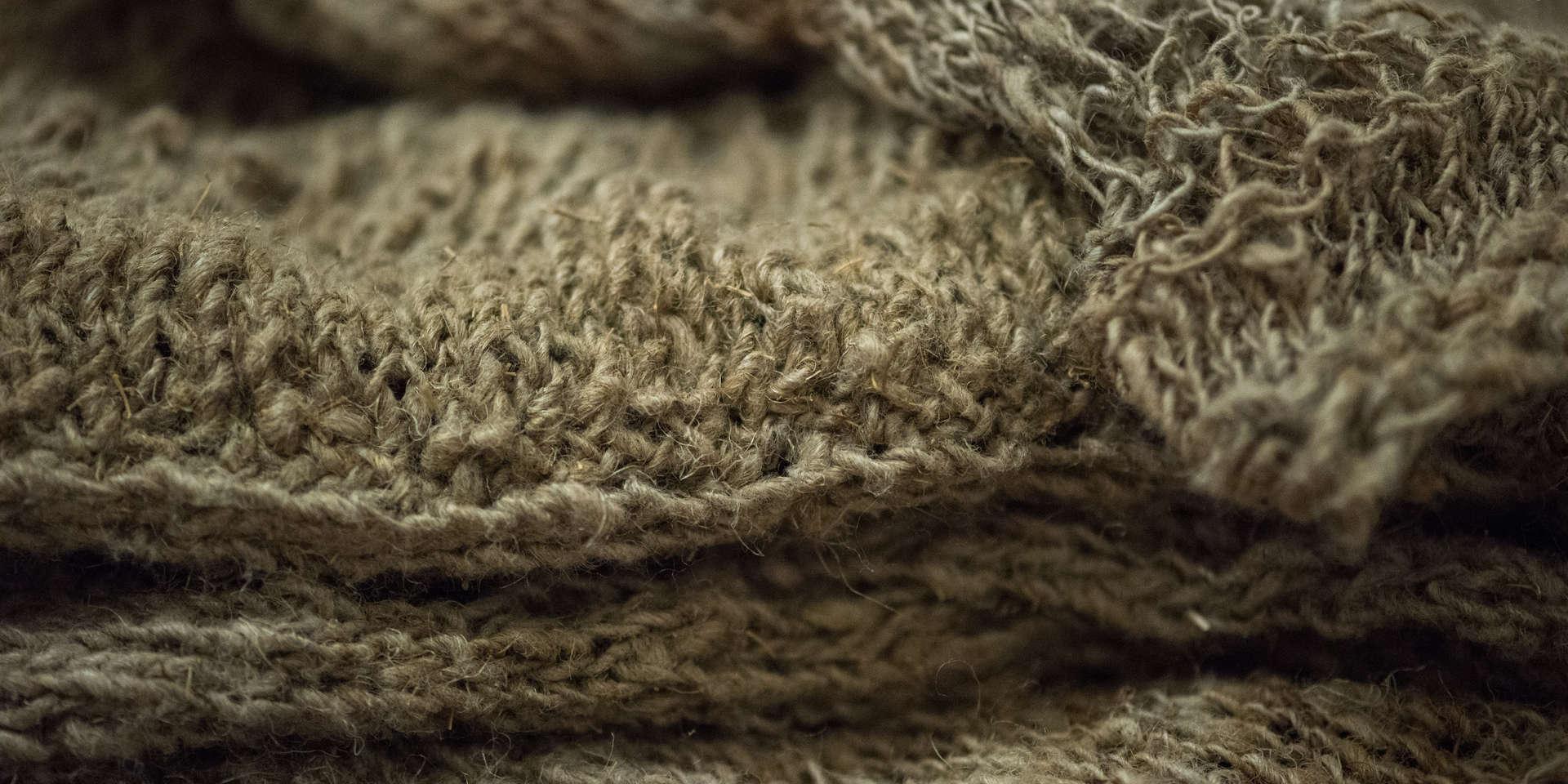 Wild Swans, Abridged (detail9); nettle silk, ramie; 240x159x166cm; photo A Thompson; Fiona Percy 2018