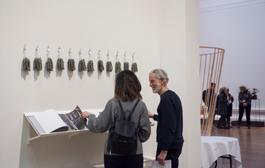 PrivateView049.RSANewContemporaies2019.photo by Julie Howden