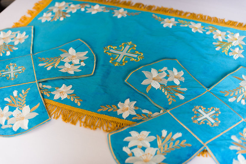Chalice covers veils, fully embroidered
