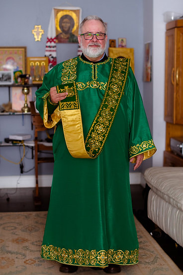 Embroidered deacon vestments set Green
