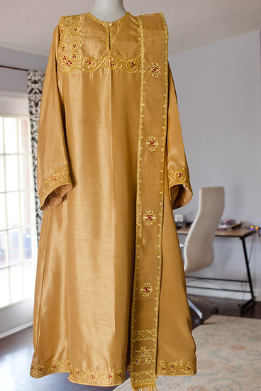 Embroidered deacon vestments set gold,
