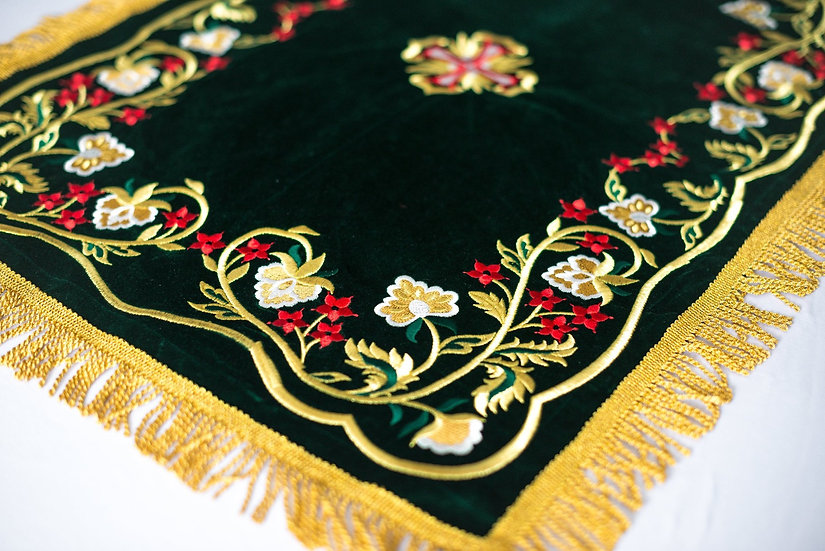 Chalice covers veils, fully embroidered, Green colour