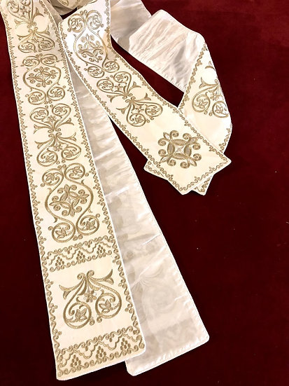 Protodeacon orarion fully embroidered, in different colors