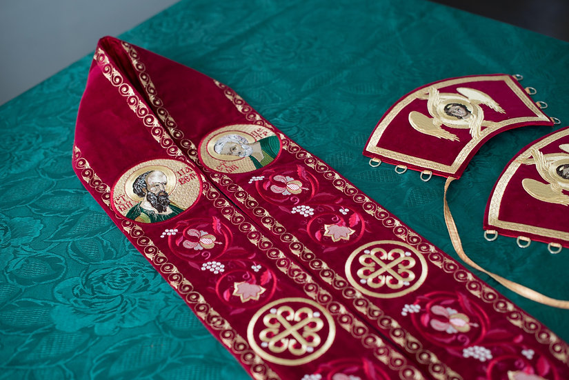 Fully embroidered deacon orarion and cuffs