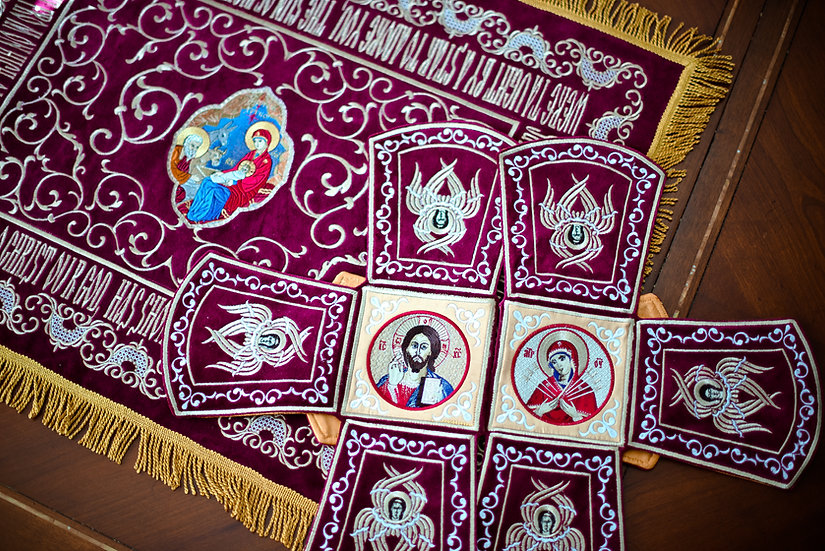 Chalice covers set for Nativity