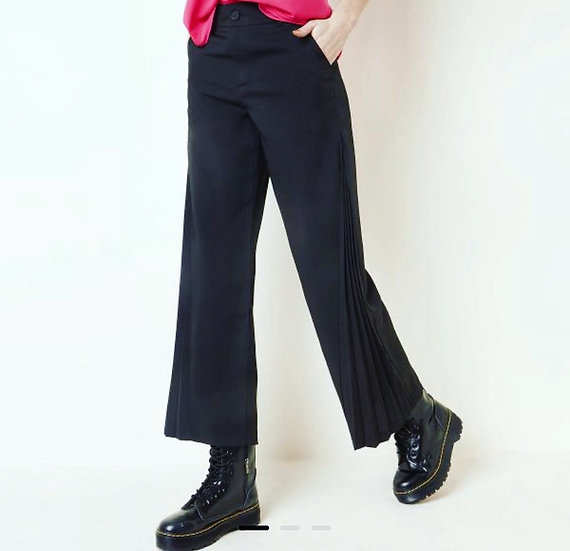 Compleatly mad trousers